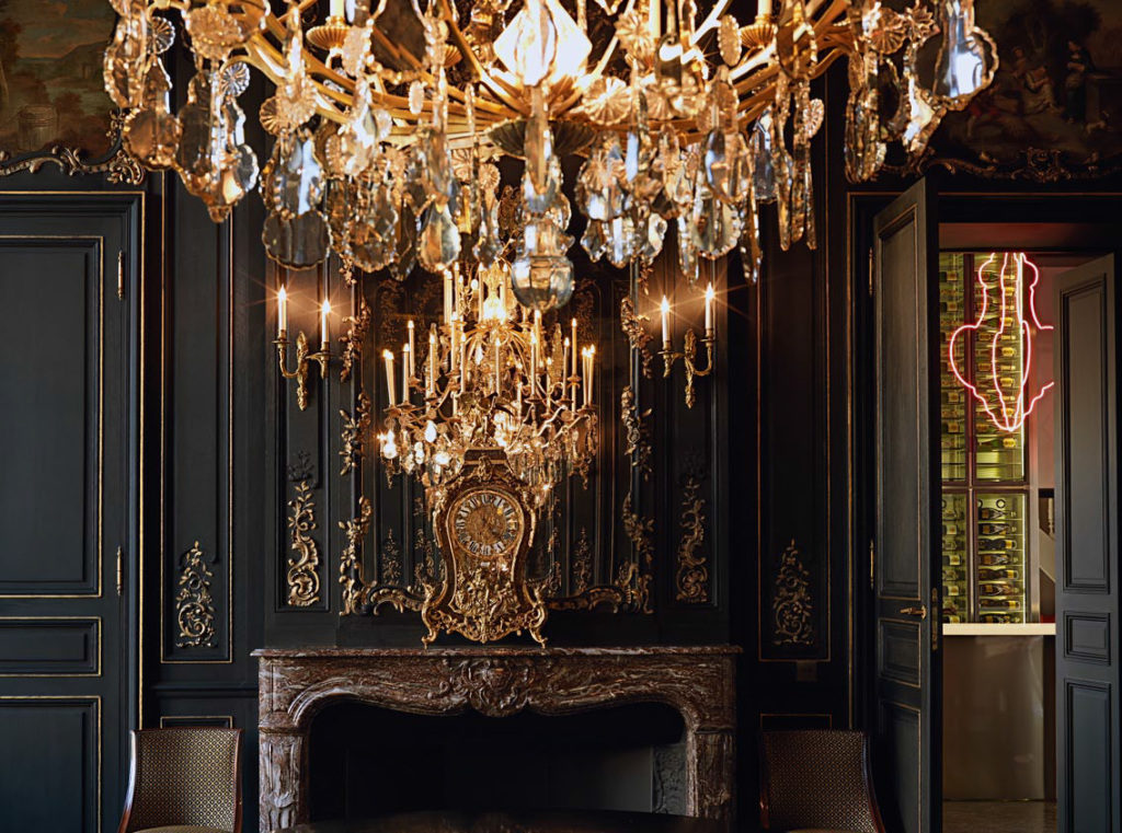 Veuve Cliquot mansion chandalier