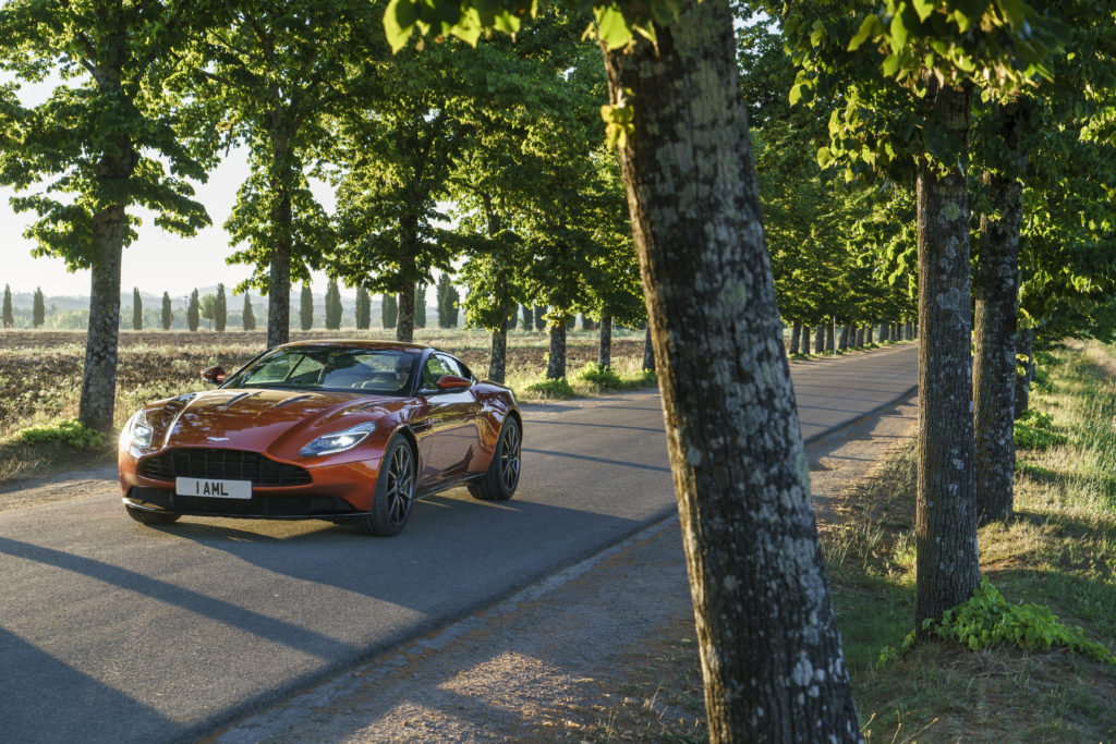 Aston db11---cinnabar-orange 3