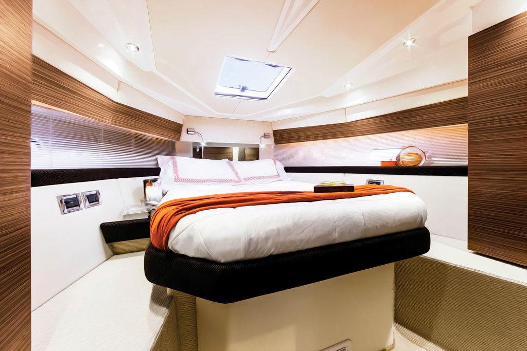 azimut-verve-40_master-cabin-1024w