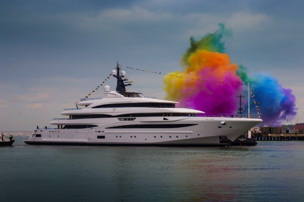 cloud 9 lauch super yacht colors