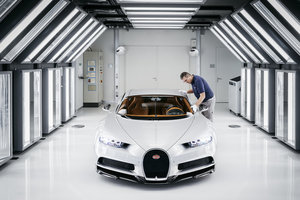 Bugatti atelier chiron light test