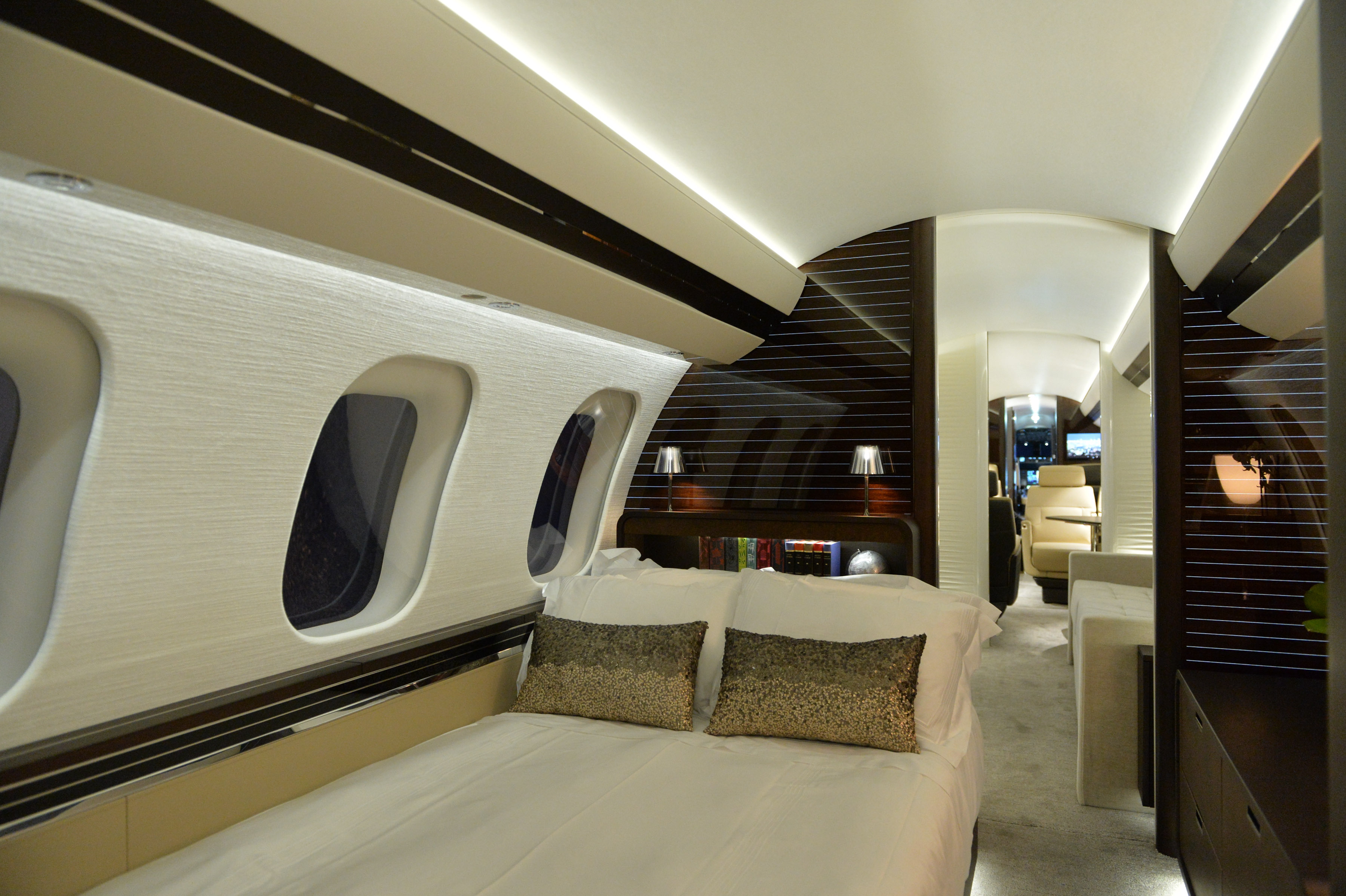 Global 7000 Stateroom Bed
