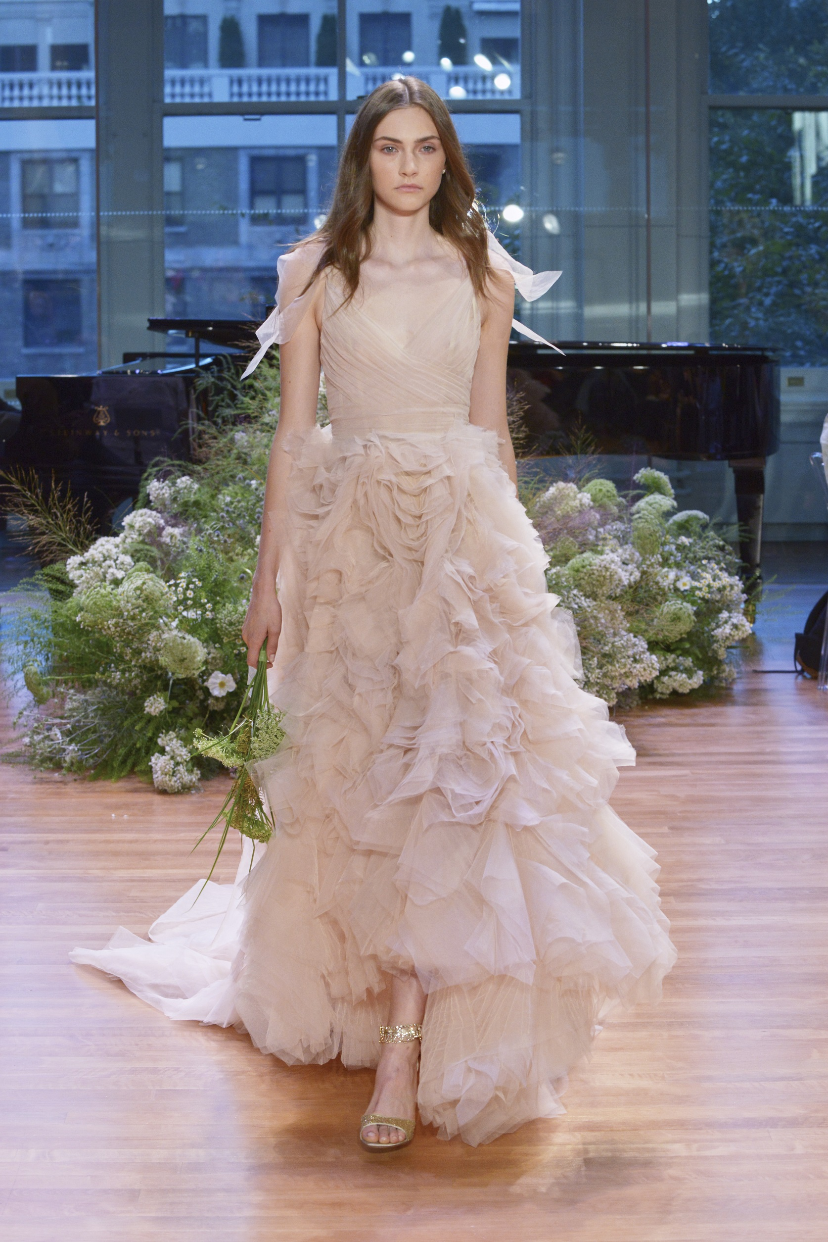 Monique Lhuillier_Bridal_FW17_Look 12 Ballad