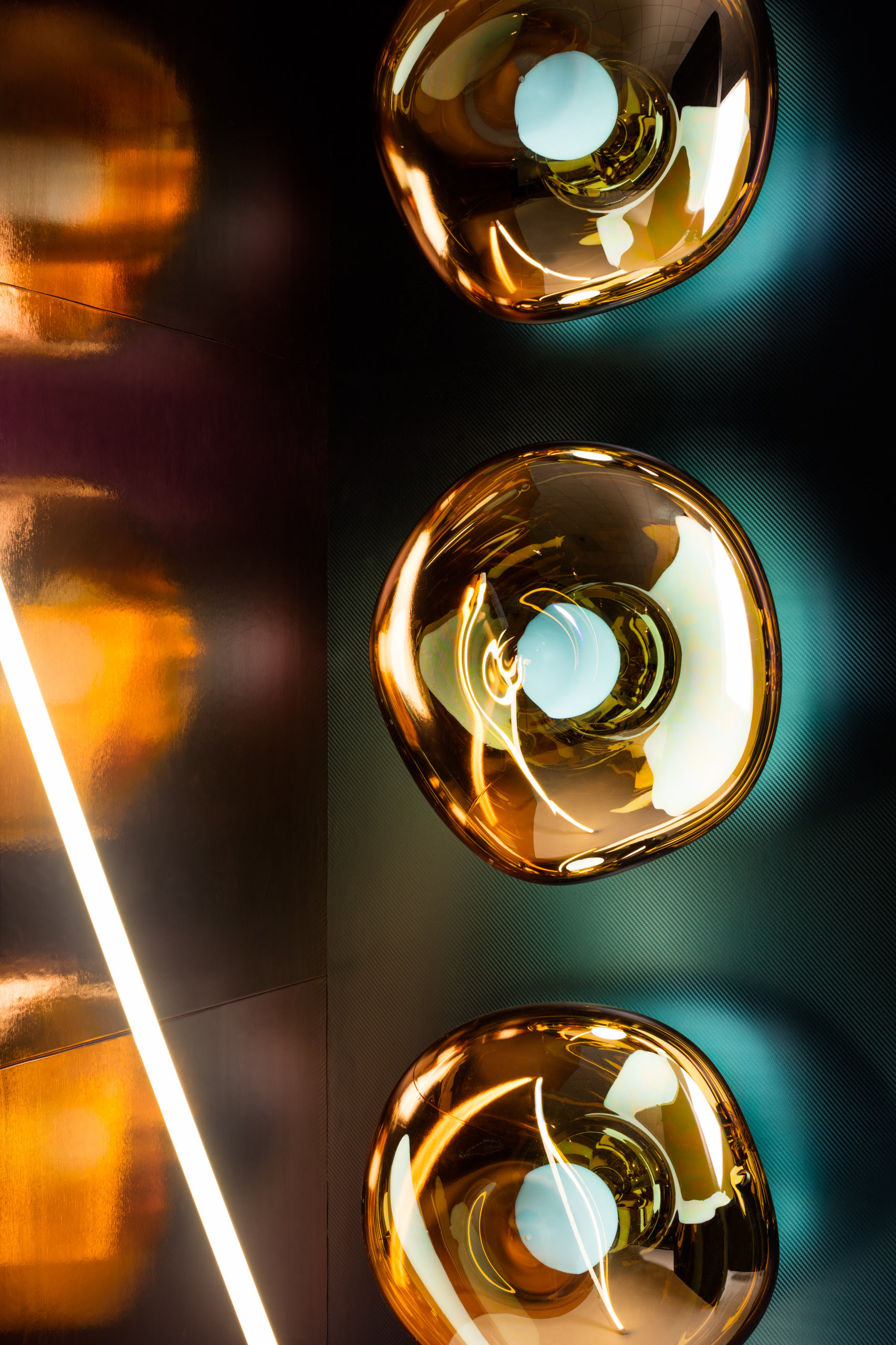 MILAN DESIGN WEEK: TOM DIXON - MELT LIGHTING FIXTURE