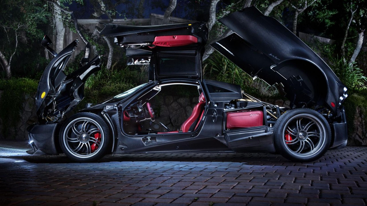 PAGANI HUAYRA: FULLY OPENED