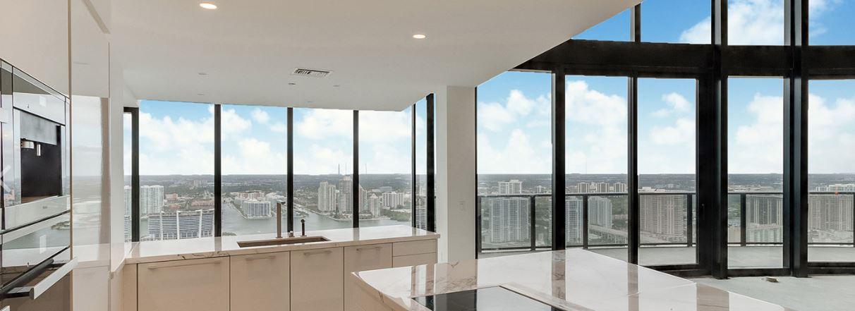 PORSCHE DESIGN TOWER MIAMI - KITCHEN