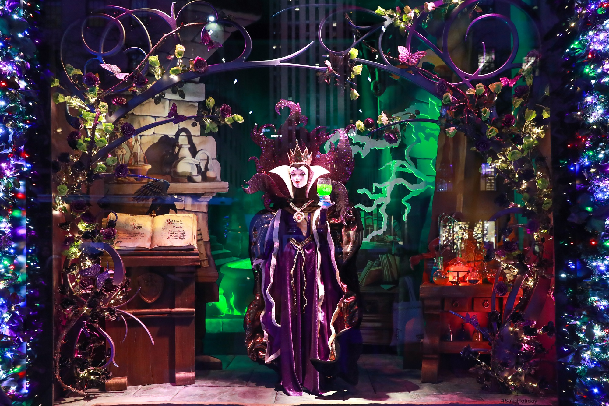"Saks Fifth Avenue and Disney unveil ""Once Upon a Holiday"", 2017 Holiday Windows and Light Show"