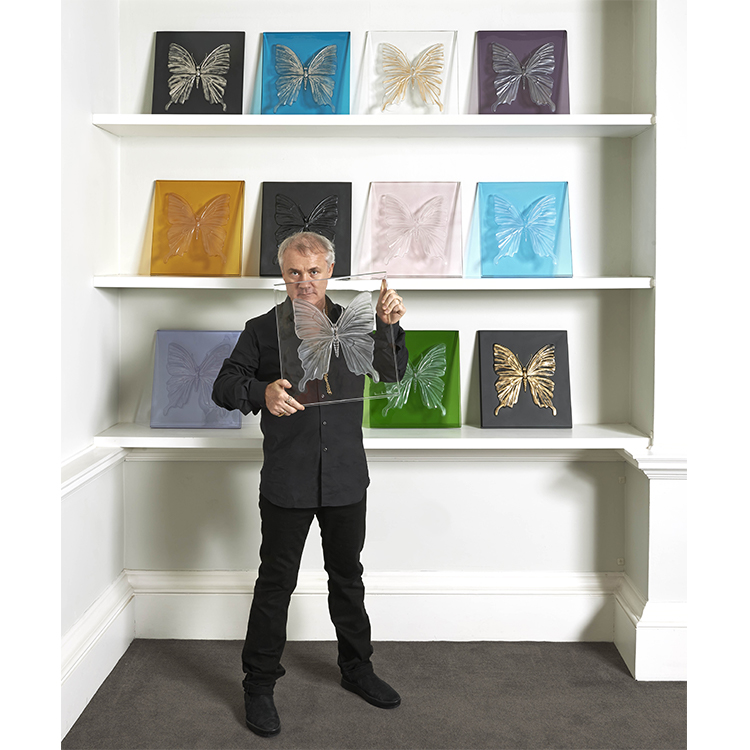 DAMIEN HIRST WITH ETERNAL BEAUTY PHTOGRAPHED BY PRUDENCE CUMING ASSOCIATES LALIQUE