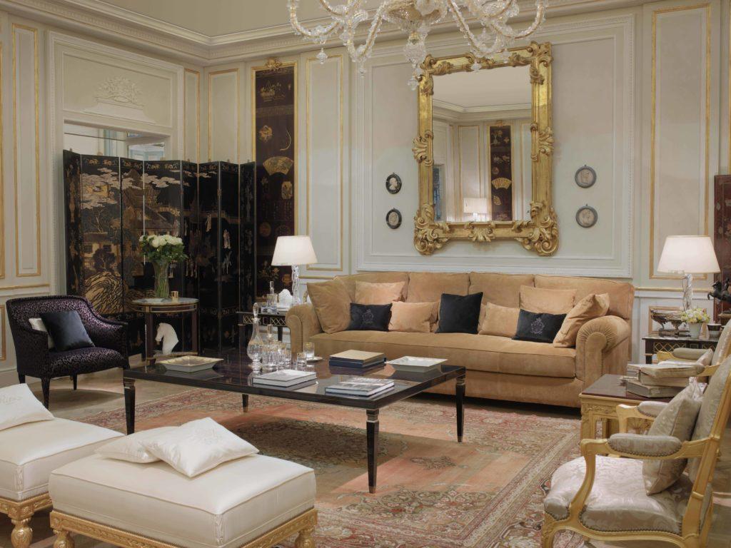 RZ Ritzy Rendez-vous sofa, Ritzy Rendez-vous guÇridon and Grand Jardin guÇridon